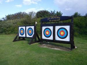 """Terrain tir à l'arc """"Les Archers de Ouistreham Riva-Bella"""" situé Chemin de la Pointe du Siège"""