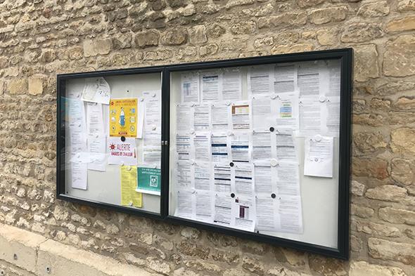 Panneaux d'affichage libre et réglementaire